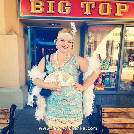 12. Disney Costumes for adults - Cinderella