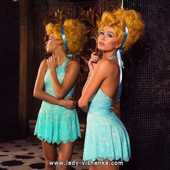 18. Disney Costumes for adults - Cinderella