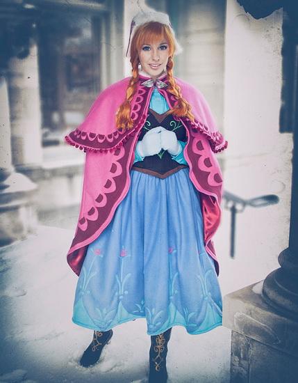 11. Halloween costumes Frozen - Anna, Elsa, Olaf