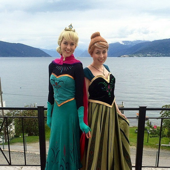 15. Halloween costumes Frozen - Anna, Elsa, Olaf