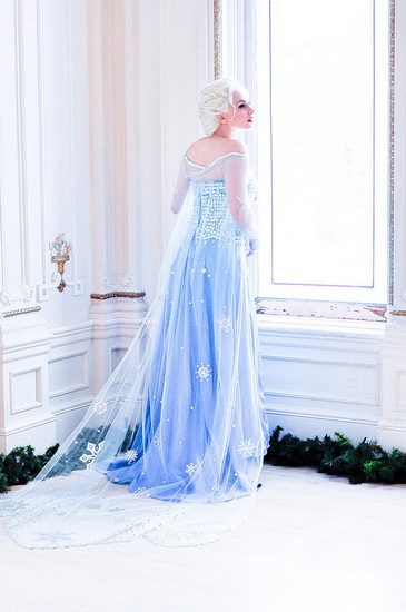 22. Halloween costumes Frozen - Anna, Elsa, Olaf