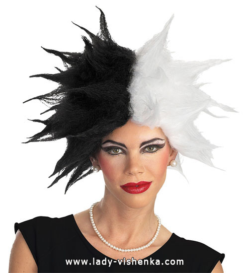 The wig of Cruella de Ville on Halloween