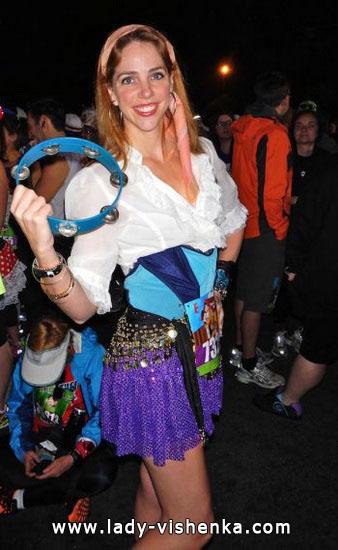Halloween - Esmeralda costume idea