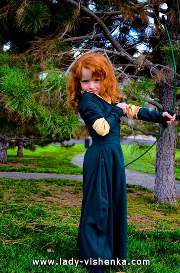 Halloween costumes for kids / girls - Merida