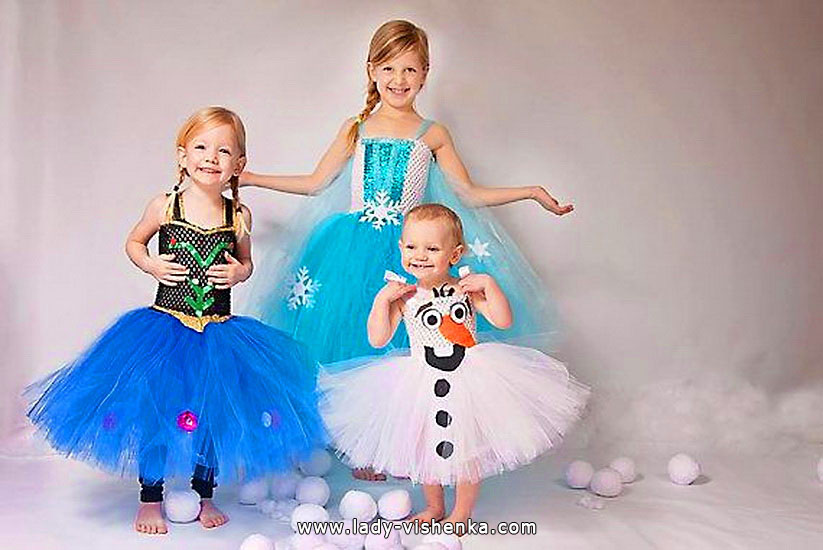 Halloween costumes for kids / girls - Anna, Elsa and Olaf