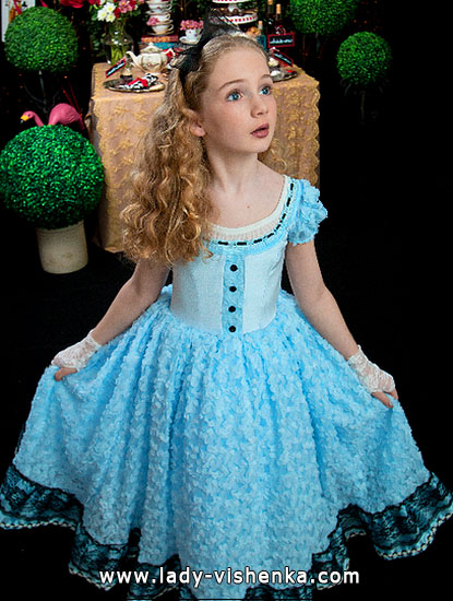 Halloween costumes for kids / girls - Alice in Wonderland