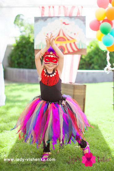 Halloween costumes for kids / girls - The Queen of the Circus