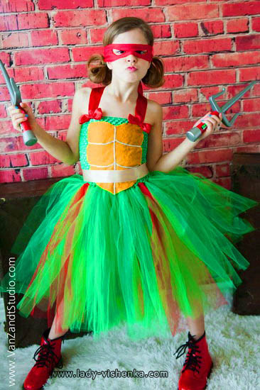 3. Halloween costume for kid / girl