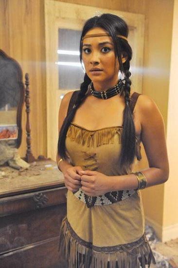 14. Pocahontas costume