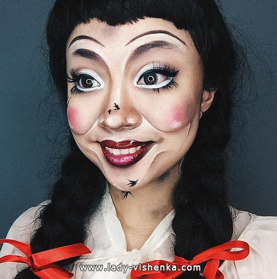 14. Halloween makeup