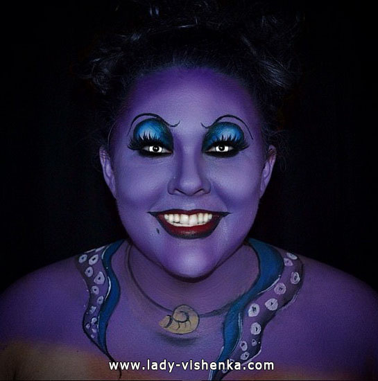 28. Halloween makeup