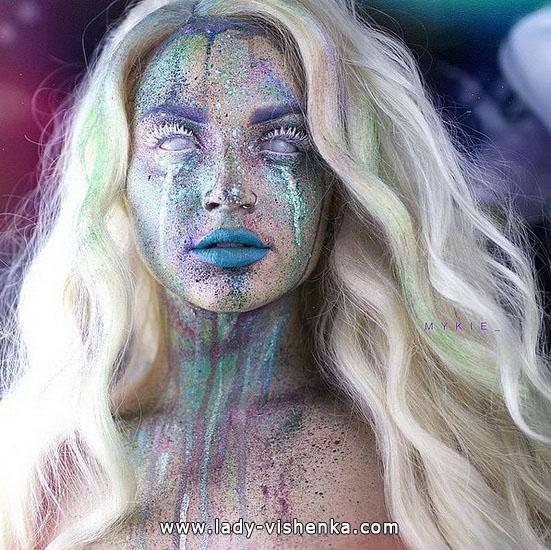 31. Halloween makeup