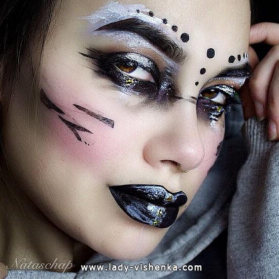 32. Halloween makeup