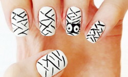 Mummy nail art tutorial
