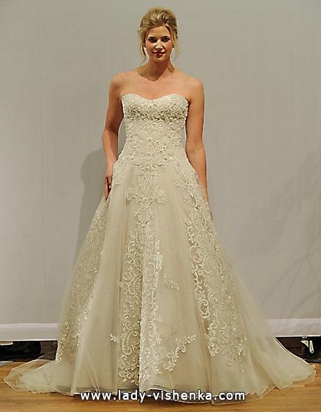 Long lace wedding dress 2016 - Paloma Blanca