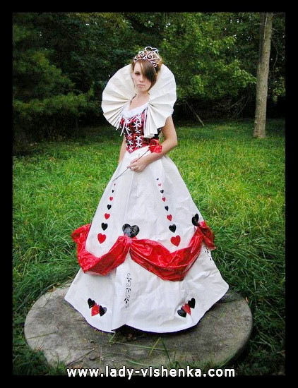 White Queen Alice in Wonderland costume