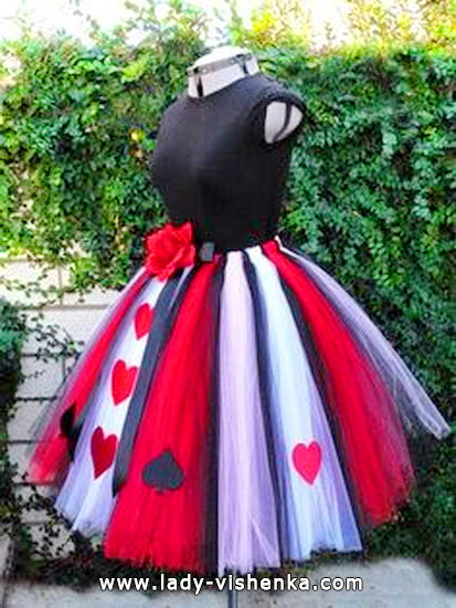 44. Queen of Hearts Costume