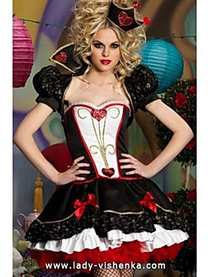 49. Queen of Hearts Costume