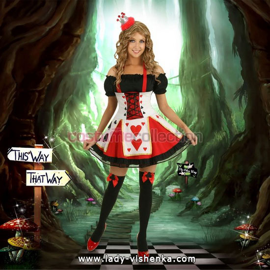 51. Queen of Hearts Costume