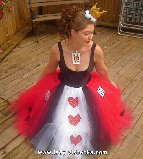 54. Queen of Hearts Costume