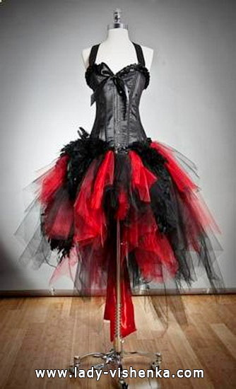56. Queen of Hearts Costume