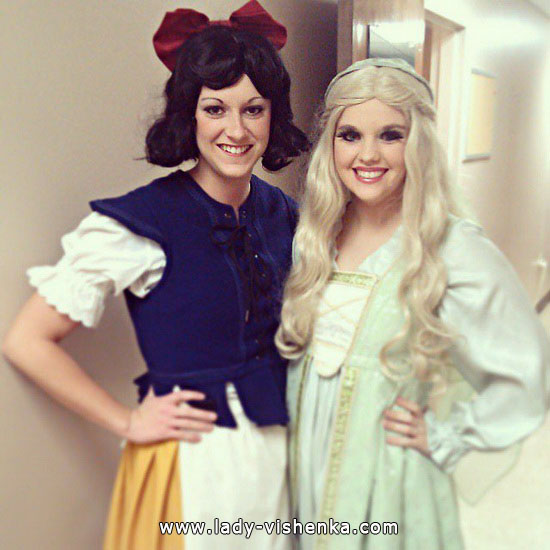 Snow white Halloween costume for girls