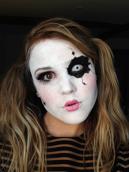2. Scary Halloween Makeup