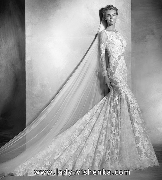 Lace wedding dress with long sleeve - Pronovias